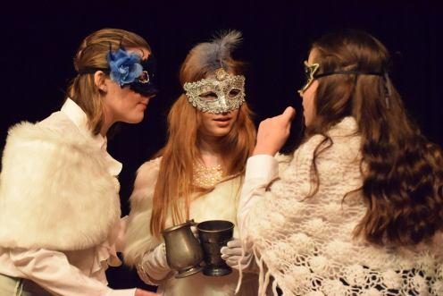 mv-sos-3-masked-ladies