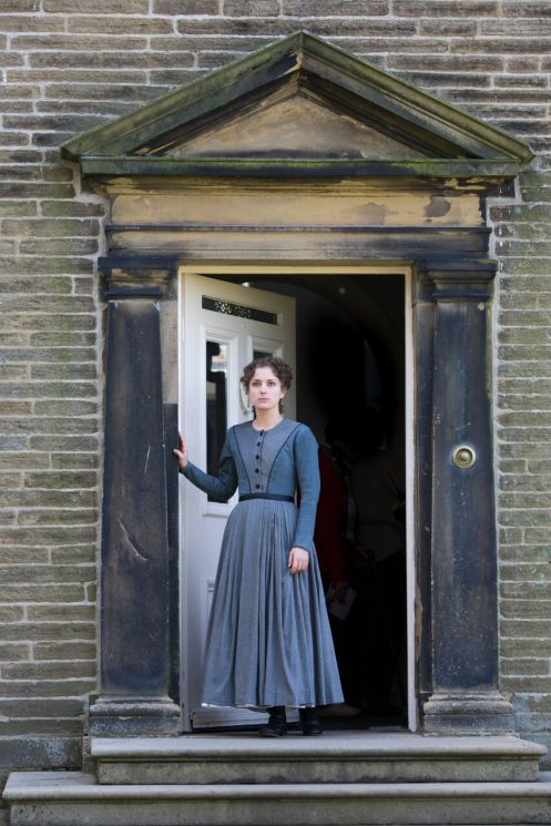 Nadia Clifford (Jane Eyre) in Haworth, photos by Ellie Kurttz (3)
